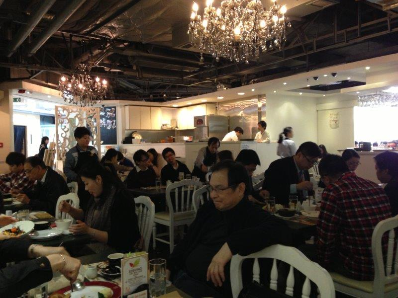 Super crowded during weekday lunch
