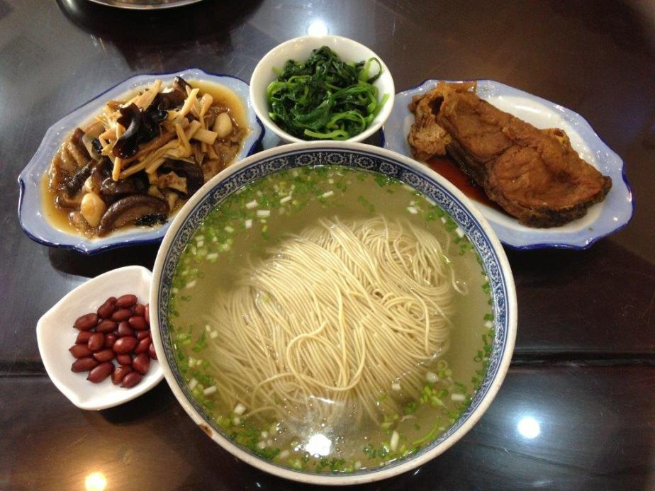 A meal like this is around RMB$22 (S$4.50)