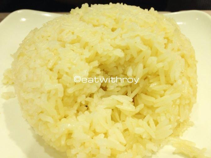 Oil Rice - In other words, the rice that goes with the Hainan Chicken. The rice is nice and fluffy and really goes very well with the chicken. Must order!