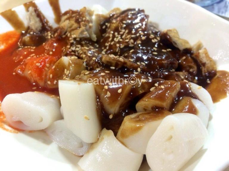 Chee Cheong Fun RM$9 - My mum's all time favorite. Malaysian's chee cheong fun comes with yong tau foo on top, which makes it more tasty, Prices climbed a lot since.