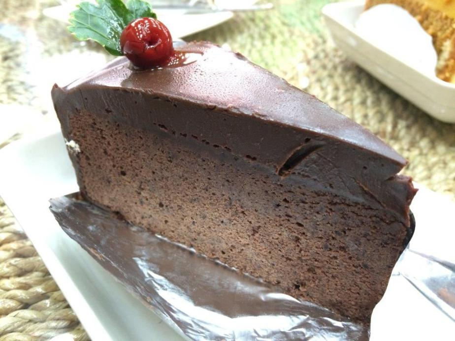 Royal Chocolate Cake - Was pretty ok, I reckon was everyone's favorite. Very rich and sweet though.