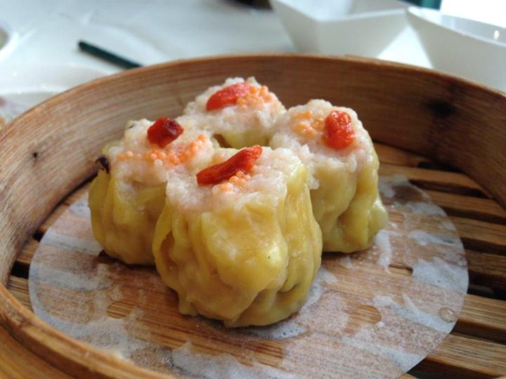 Siew Mai - Nice and juicy with a shrimp on the top as per standard cantonese siew mais. The best thing is, they don't use minced pork, but juicy chunky ones. See next pic.