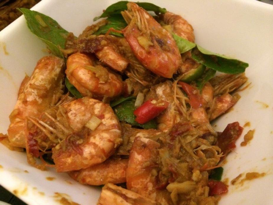 Chilly Prawns - Took only one due to cholesterol. :) Taste nice and tangy. Not very spicy.