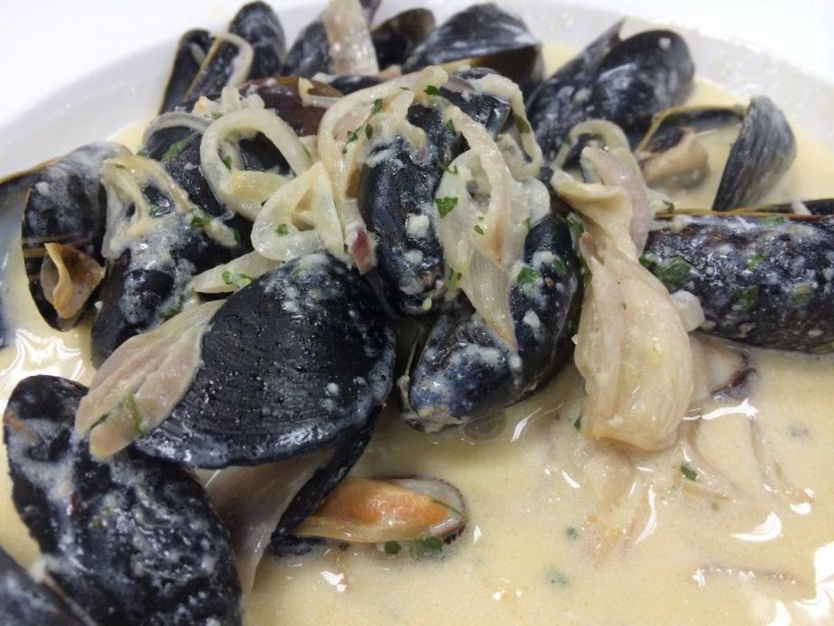 Blue Mussel In White wine Sauce - HK$128