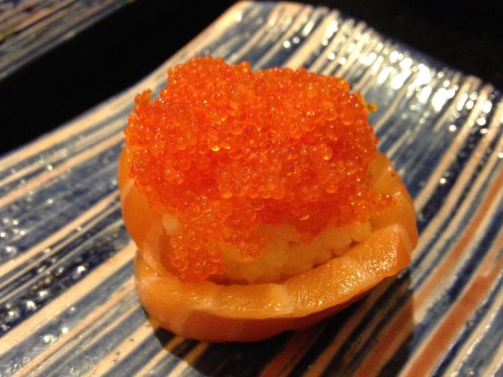 Salmon Rose Sushi RMB12 - Friend's order, should be quite good.