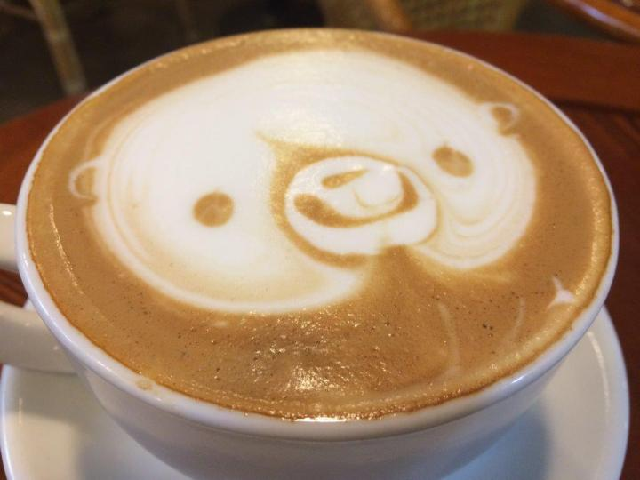 Latte art of a bear