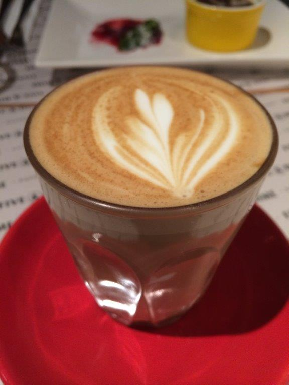 My Cafe Latte ($6) - Very well extraction, average milk foaming. I repeated my order for this.