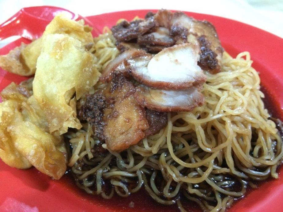 Wan Ton Mee RM$9.00 - Also first time trying. Typical Malaysian Wan Ton Mee cos of the black sauce. Noodles are springy, char siew is good but fried wan ton not crispy, prolly left there too long. Overall quite nice.