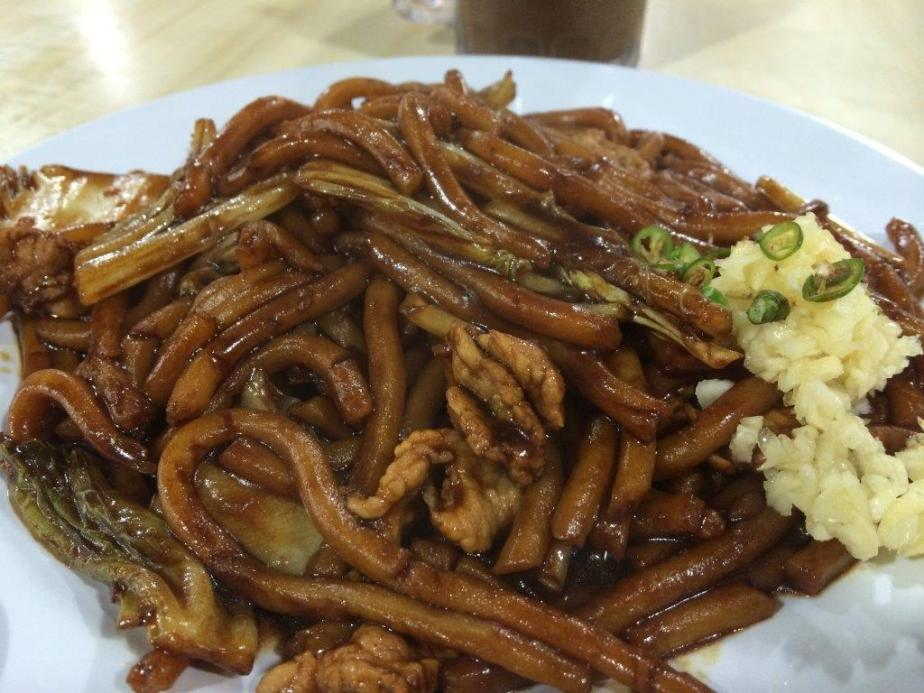 Fried Hokkien Mee RM$10 - First time trying this and it was pretty good. The taste is pretty close to the good one in KL. Must eat with the garlic and green chilli, all mix together.