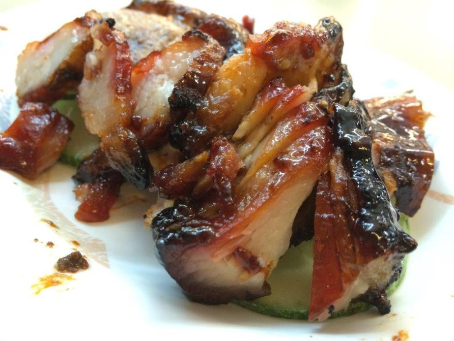 Check out the char siew, with around 40% of fats. I can only imagine how awesome when it's fresh out of the roasting!