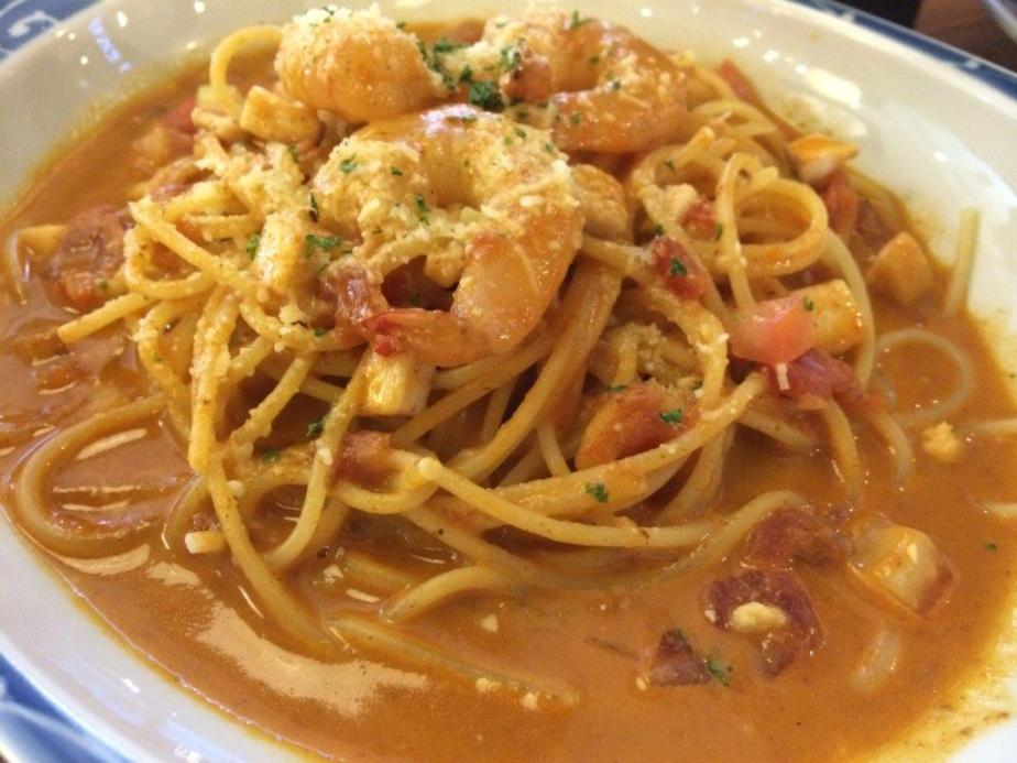 Lobster Bisque Soup Spaghetti $16 - Very rich dish, very strong prawny aroma and taste. Some friends like it but I felt the 'stench' is a little too strong for spaghetti.