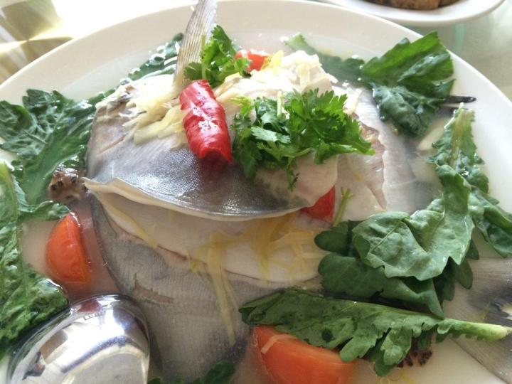 Steam Pomfret ($65) - This is very expensive given the simple ingredients used but the good thing is, the fish is fresh and tender, and quite a big fish. Eating fish out of your home is never cheap in Singapore anyways.