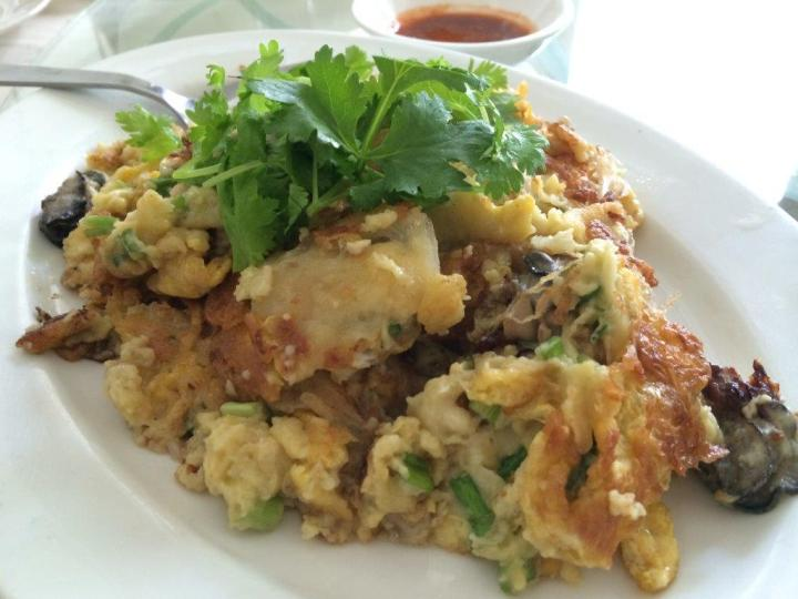 Fried Oyster Omelette ($18) - This is probably one of the few places that gives me the good old taste from my childhood days... Very well done and really authentic in taste!