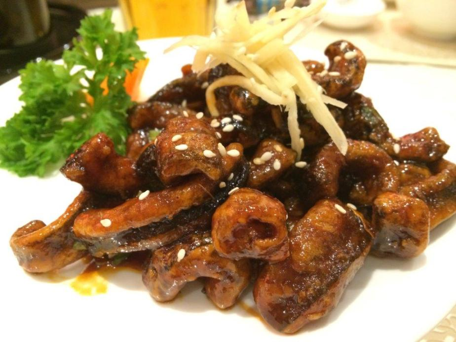 Crispy Caramelised Eel - This one is awfully addictive... A great starter, and a must order in Dragon-i.