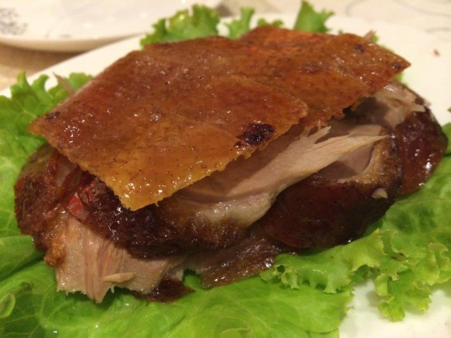 Roasted Peking Duck - This is their signature naturally. Crispy skin and tender flesh. Yums. But as compared to the one in Canton-i Singapore, Canton-i one is very fragrant and a lot tastier due to the apple wood they use from Australia.