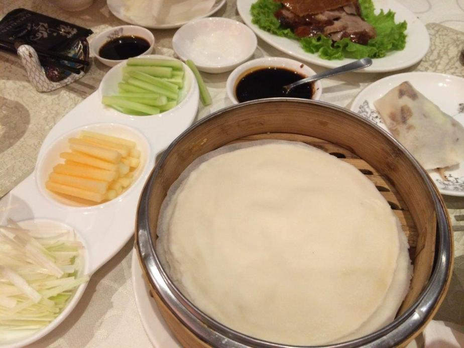 Wraps and condiments to go with your peking duck.
