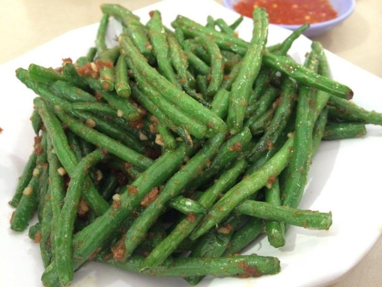 Stir Fried Long Bean with Garlic S$10 - This long bean is really nice and crunchy. This slim type is quite rare actually.