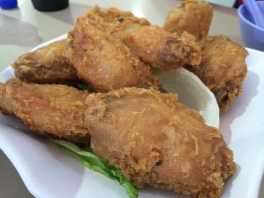 Prawn Paste Mid-Joint Wings S$9. Crispy coating, juicy inside. Yummy!