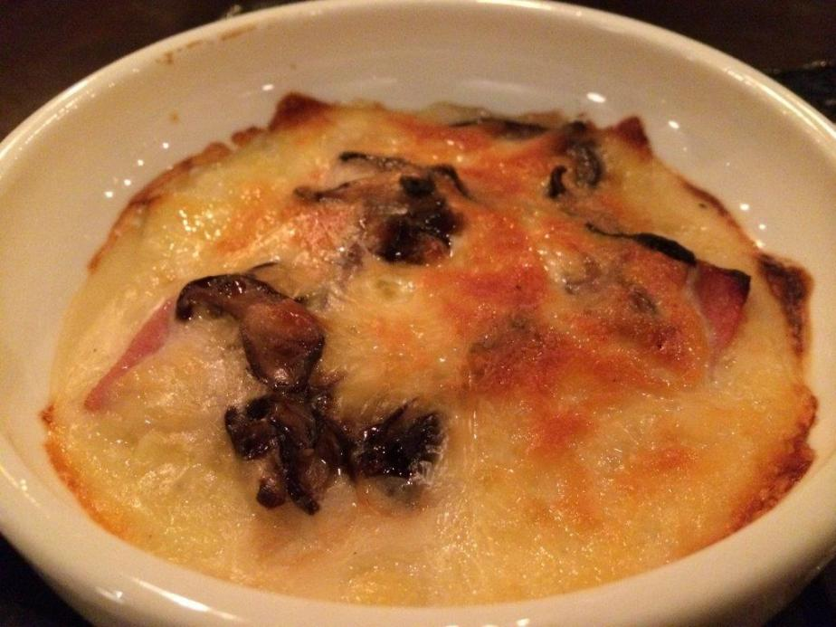 Bacon & Mushroom Gratin - I always love cheesy dishes, so I definitely love this. A great start but I dunno why it's not on the menu? Hmmm...