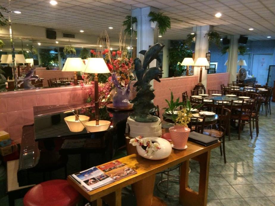 Very homely ambience which is very appropriate to what the owner is set out to do. To make home cooked Peranakan dishes available to their customers.