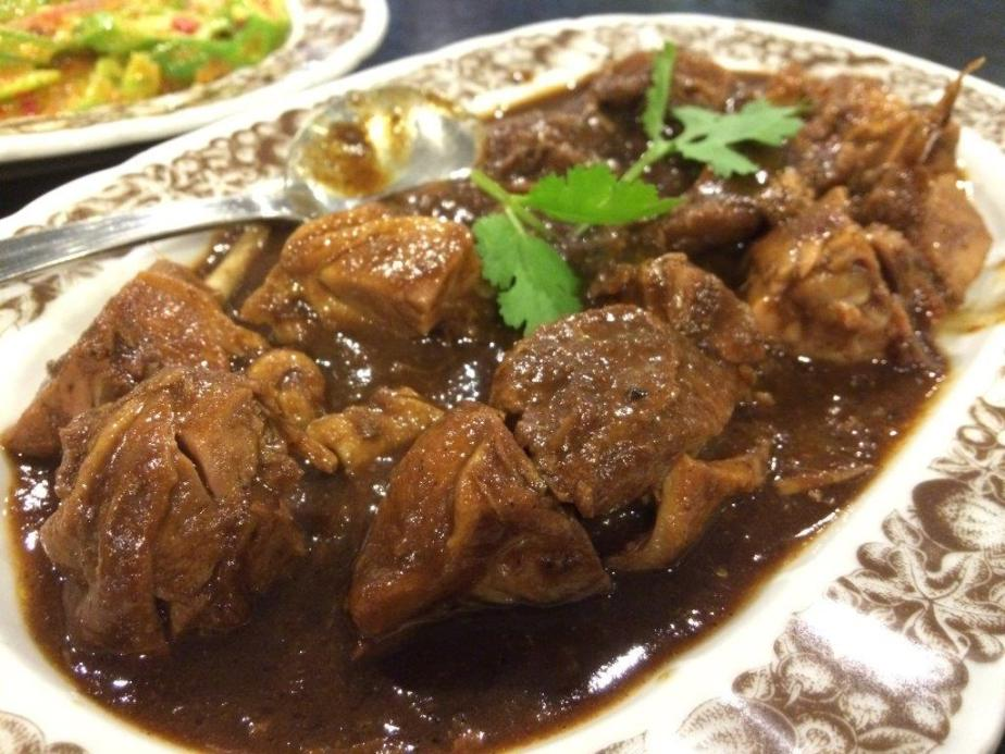 Itek Sio (Nonya Braised Duck) - I dunno how long has it been since I've had this dish. Hence tasting this reminded me of the taste I had long ago... Really yummy and the sourish taste from the assam (tamarind) makes it more tasty!