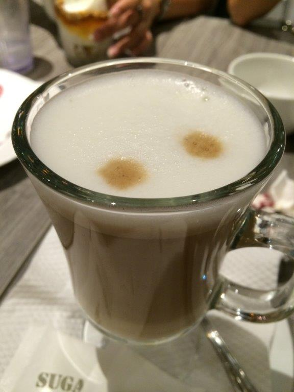 Ended the tasting session with a latte, the 2 dots on top indicates it's from an automatic coffee machine, which most restaurants are using.