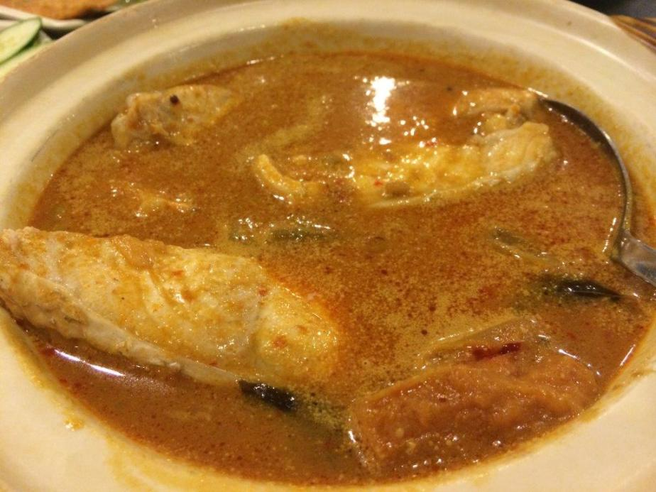 Curry Fish Meat - Very fresh fish meat used in this dish and a preview of what would have taste like Curry Fish Head. Not too spicy and not too lemak.