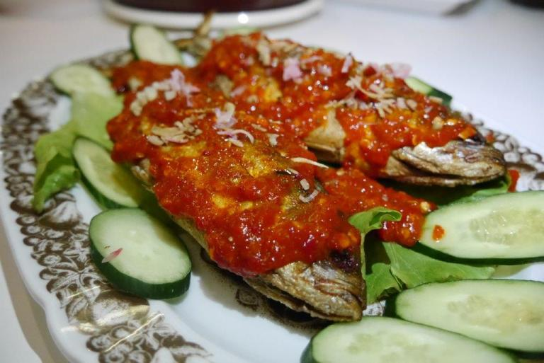Sambal Fish ($16) - Fresh Selar fish fried till crispy with slit sides for rempah stuffings. The chilli sauce on top was so good that we were hoping House of Peranakan will bottle them and retail soon!