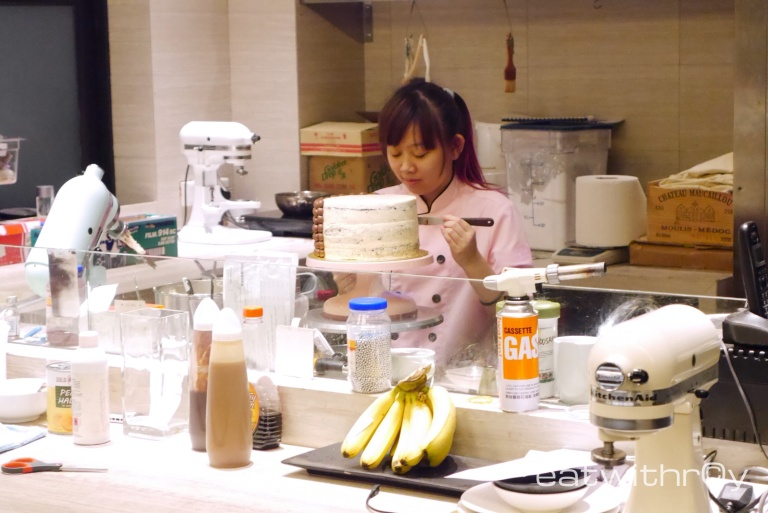 A Pattiserie chef from their subsidiary, Little House of Dreams, at work.