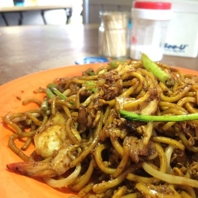 Wanted to order the Fried Maggi Mee but came this instead. Still, this is pretty darn good cos of the wok hei. This Mie Goreng Tg Pinang costed only 20000 rupiah ($2)