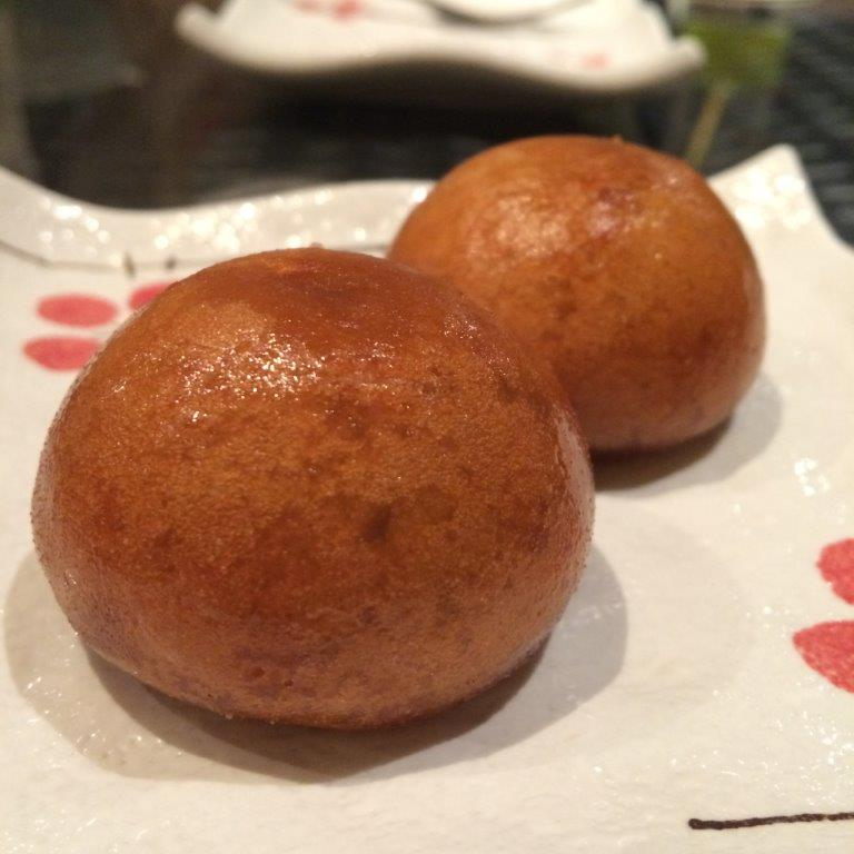 Karinto Manju - Basically it's mantou with red bean fillings inside. Very nice and the fillings were filled to the brim!