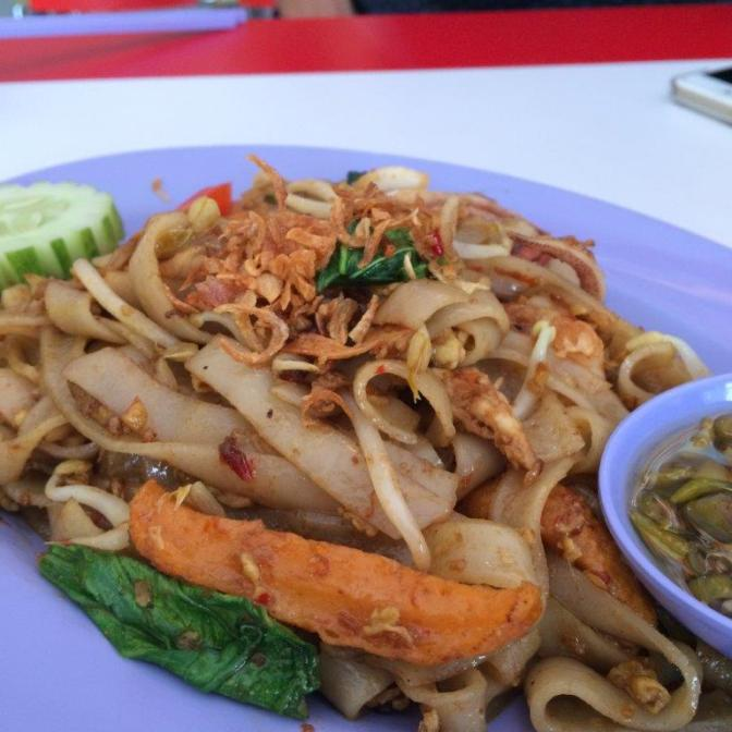 Fried Kway Teow 17272 ($1.72) Soso only, not as good as the morning one.