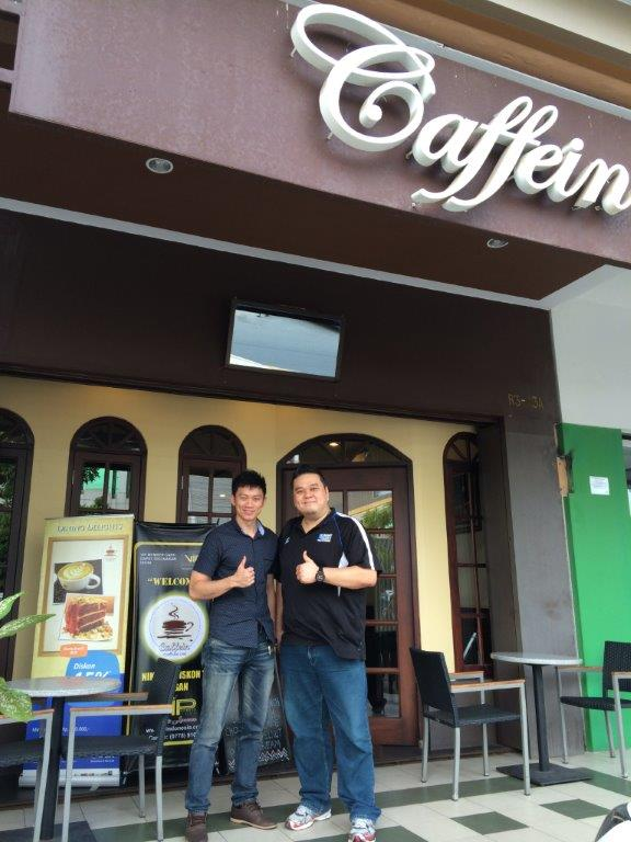 After that headed to Caffein at Nagoya Mall area, met up with my friend Joe who owns the place.