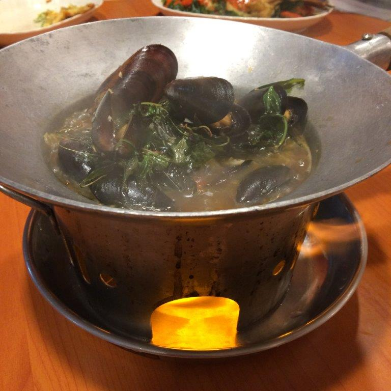Basil Mussels ($15.00) - Fresh mussels in a lot of basil leaves. I love basil leaves!