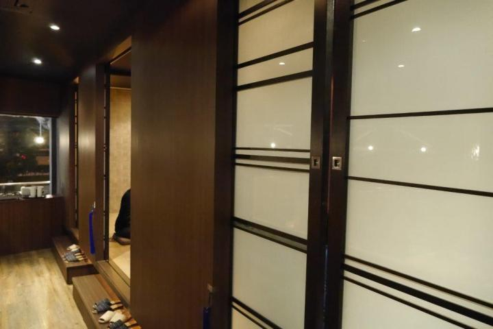 Private rooms which is not suitable for big guys like me!