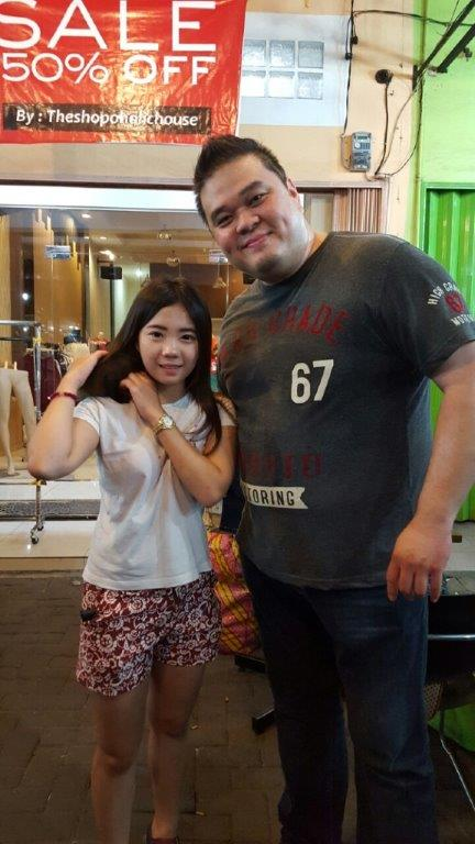 Me with the owner of Bob. Cute right? ;P