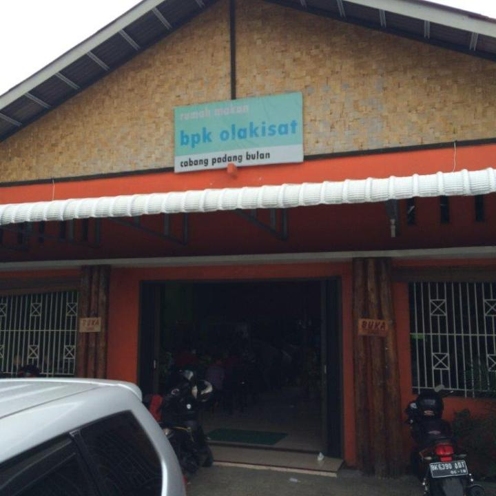 BPK Olakisat. BPK is Babi Panggang Karo which means BBQ Pig House and Olakisat is basically the name of the shop or area.