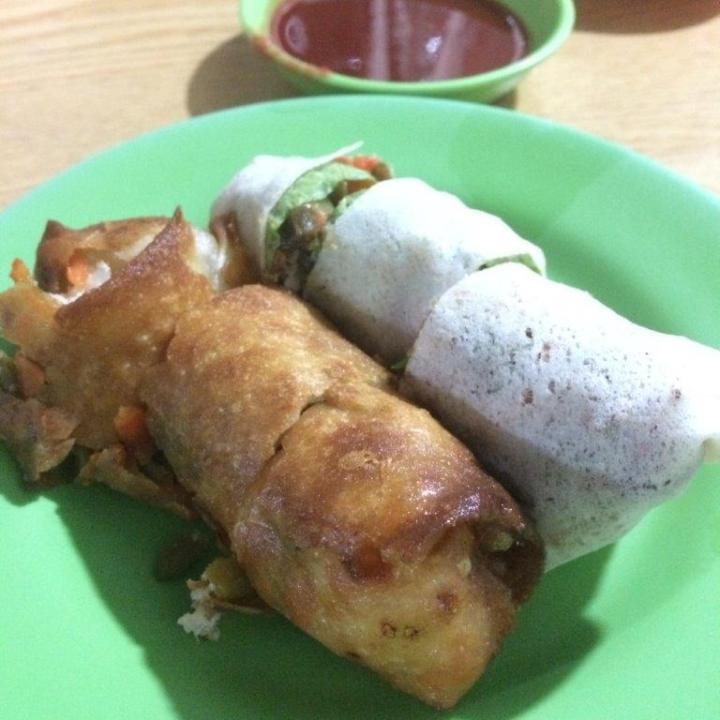 Fried or steamed, each S$0.70. About 10cm long.