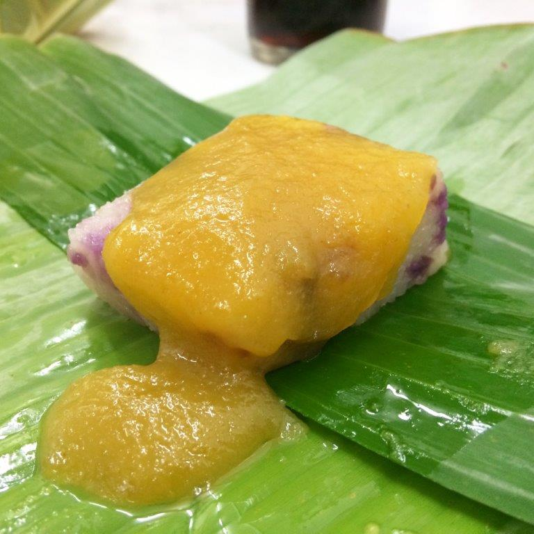 This purple glutinous rice cake with kaya is blardy good. another must try!