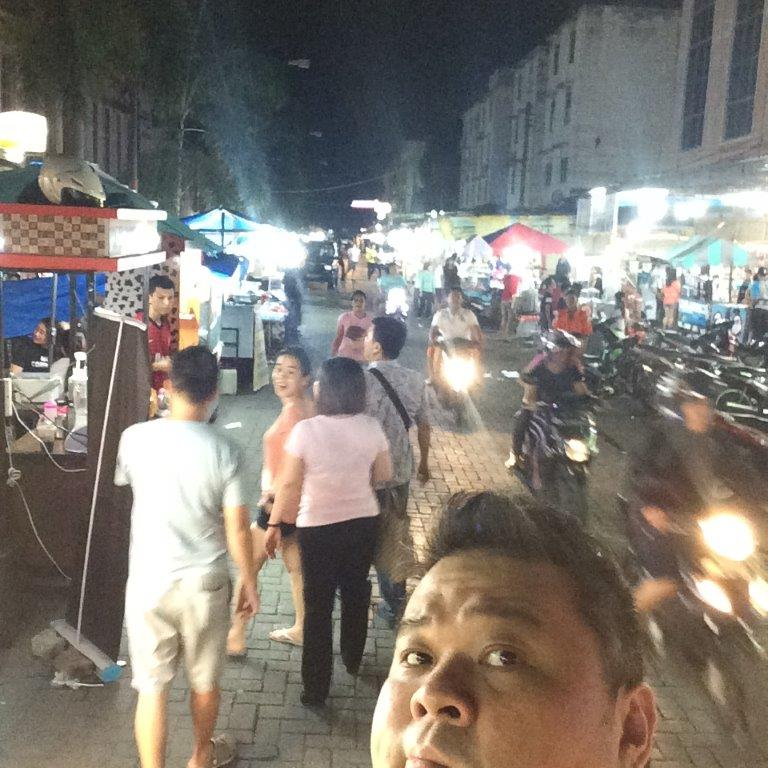 After dinner we headed to the night market